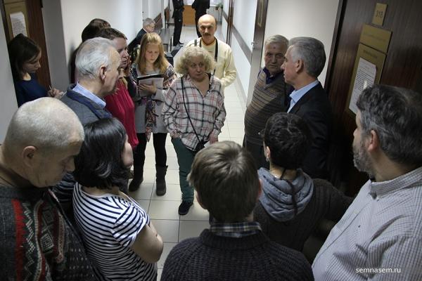 Anufriev talking to supporters, 29 Nov (Yarovaya)