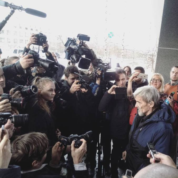 Dmitriev faces media after acquittal (April 2018)
